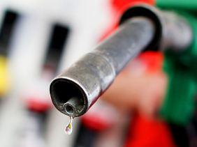 Benzin kostet spürbar mehr als vor einem Jahr.