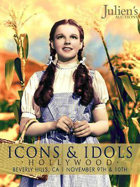 Der Katalogtitel des Auktionshauses: Angebote für das Schürzenkleid kamen aus aller Welt.