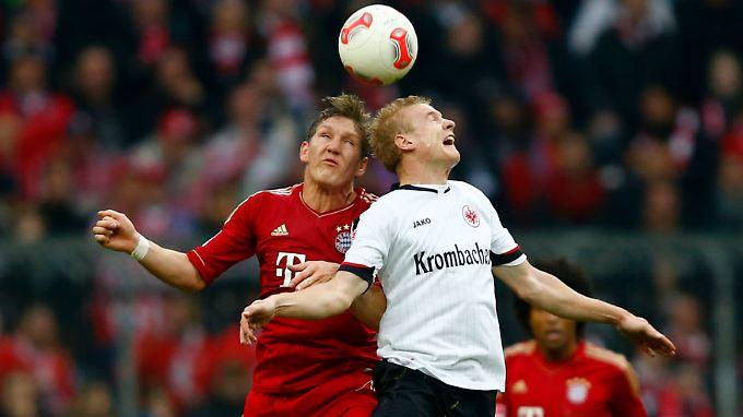 Sebastian Rode (r.) hat sich kurz vor Weihnachten auf den Wunschzettel einiger Bundesliga-Topklubs gespielt.