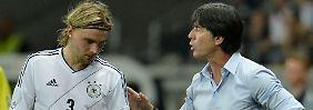 Nach dem Ausfall von Marcel Schmelzer stehen Bundestrainer Joachim Löw derzeit nur fünf Verteidiger zur Verfügung - sofern er nicht nachnominiert.