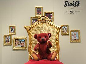 """Modell """"Louis"""" aus der """"Steiff Club Edition 2012"""": Im Strudel der Schuldenkrise droht der Teddybär in Portugal zu einem Symbol für wirtschaftlichen Niedergang zu werden."""