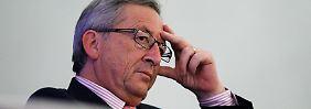 Ist bis zum Nachmittag wohl erst einmal mit der Lektüre beschäftigt: Jean-Claude Juncker.