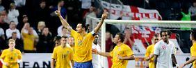 Held des Spiels: Zlatan Ibrahimovic schoss alle vier schwedischen Tore gegen England.