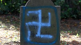 Auf dem jüdischen Friedhof in Kröpelin (Landkreis Rostock).