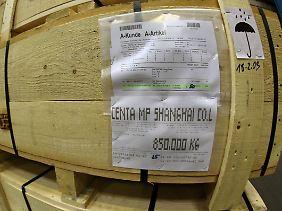 """Verpackt, gestapelt, exportbereit: Das """"Erfolgsrezept"""" liegt nicht im Preis."""