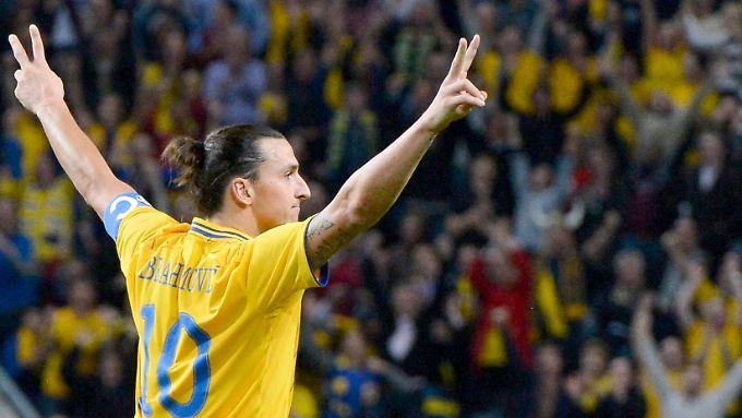 """""""Ich habe einfach probiert, den Ball ins Tor zu kriegen"""", kommentierte Zlatan Ibrahimovic sein Wahnsinnstor aus gut 30 Metern."""