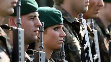 Sexuelle Übergriffe auf Soldatin: Von der Leyen kritisiert Staatsanwältin