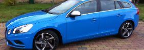 """Im R-Design und mit der Farbe """"Rebel Blue"""" sorgt der V60 allein durch die Optik für Aufsehen."""