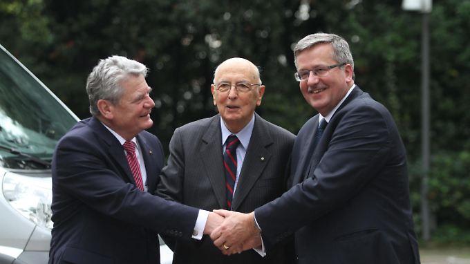 Einigkeit in Neapel: Gauck, Napolitano und Komorowski (v.l.n.r.).