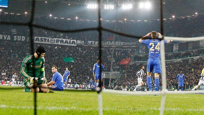 Mit 0:3 verlor Titelverteidiger FC Chelsea bei Juventus Turin und hat das Erreichen der K.o.-Runde damit nicht mehr selbst in der Hand.