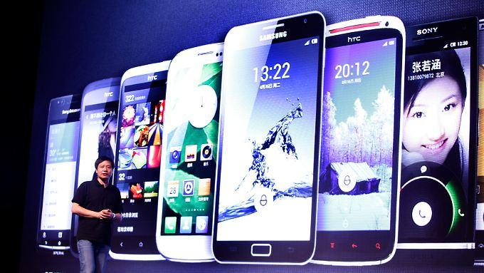 Wohl nur noch mit Smartphones können Handyhersteller künftig Geld verdienen.