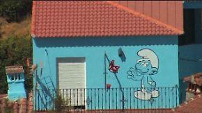Die Schlümpfe sind da!: Spanisches Dorf macht komplett blau