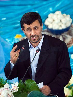 Präsident Mahmud Ahmadinedschad bei den iranischen Neujahrsfeierlichkeiten am 27. März.