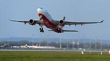 """Air Berlin fliegt wieder: """"Wir nutzen den Raum bis zu dieser Grenze aus, um zu starten oder zu landen und im kontrollierten Sichtflug zu fliegen."""""""