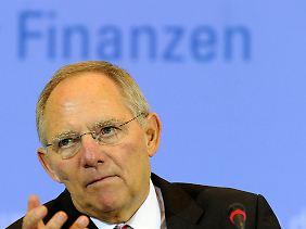 Nach der Steuerschätzung wird Finanzminister Schäuble sagen müssen, wo gespart und wo entlastet werden soll.