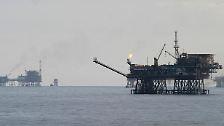 Sprudelndes Öl, klingelnde Kassen: Die Gewinne der Öl-Konzerne