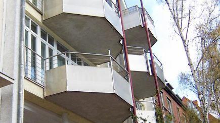 mehr sonne bitte balkone nachtr glich anbauen n. Black Bedroom Furniture Sets. Home Design Ideas