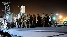 Israelische Soldaten bei der Vorbereitung auf ihren Einsatz am 30. Mai.