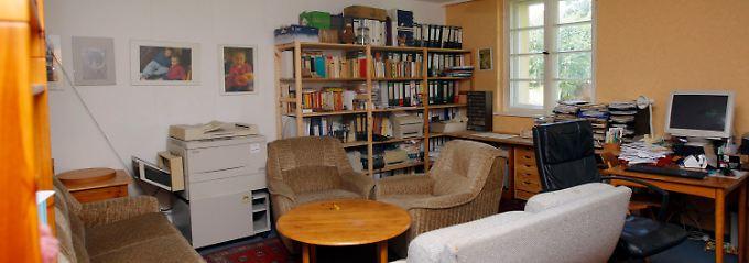 Blick in ein Wohn- und Schlafzimmer in Deutschlands einzigem Männerhaus im brandenburgischen Ketzin.