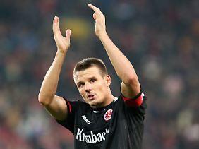 Auch dank Alexander Meier spielt Aufsteiger Eintracht Frankfurt konsequent oben mit.