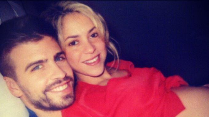 Glücklicher Popstar: Shakira plus zwei. (Quelle: instagram.com/itsshakira - Screenshot n-tv.de)