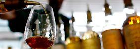 """Auf der Messe """"Whisky & Rum - Whiskyplus"""". Die Preise für Hochprozentiges sollen offenbar nicht steigen."""