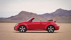 Nach geschlossen folgt offen: Volkswagen präsentiert das Beetle Cabrio auf der Los Angeles Auto Show.