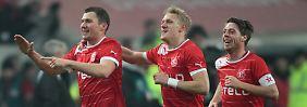 Krawalle überschatten Spiel: Fortuna demütigt Eintracht