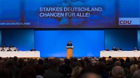 In ihrer Rede überrascht die Kanzlerin mit der Ansicht, dass die Euro-Krise so gut wie ausgestanden ist.