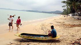 Warten auf Touristen am Strand von Koh Samui.
