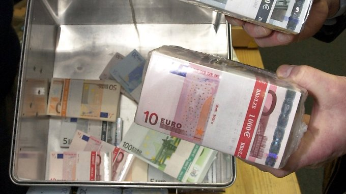 Die EU-Staaten verlieren sehr viel Geld.