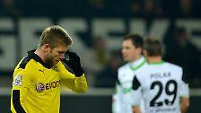 Meister und Bayern-Angstgegner BVB hatte hingegen eine 2:3-Heimschlappe gegen den VfL Wolfsburg kassiert und liegt nun schon aussichtslose 14 Zähler hinter den Münchnern zurück.