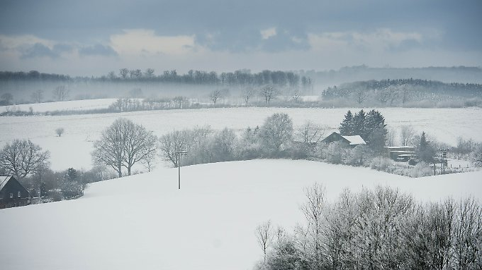 Blick vom Rodelberg in Schönwalde am Bungsberg in Schleswig-Holstein - dem nördlichsten Skilift Deutschlands.