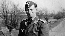 Altkanzler in Wehrmachtsuniform: Soldat Schmidt darf Wand nicht mehr zieren