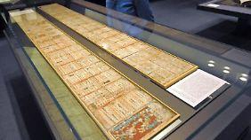 Glück gehabt: Sollte die Welt am 22. Dezember noch stehen, können Besucher auch weiterhin den Maya-Kodex von Dresden besichtigen. Foto: Matthias Hiekel