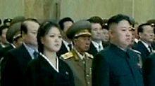 Kim Jong Un und seine Frau Ri Sol Ju bei der Gedenkfeier für Kim Jong Il.