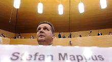 Mappus muss den Blick in seine privaten Unterlagen dulden.