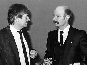 1985 sind Peter Struck und Otto Schily noch keine Parteikollegen, Schily ist damals noch bei den Grünen.