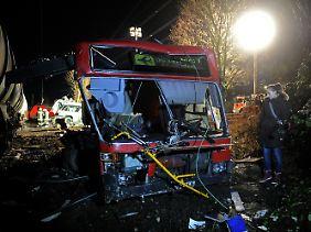 Der zerstörte Linienbus.