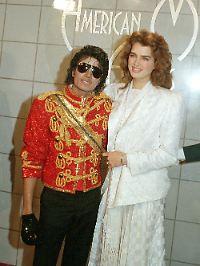 Jackson mit dem schwarzen Handschuh und Brooke Shields bei den American Music Awards 1984.