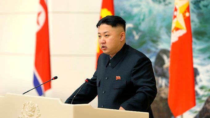 Kim Jong Un will große Raketen ins All schießen.