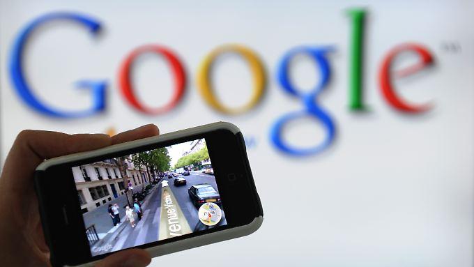 """Mit einem eigenen Super-Smartphone - Codename """"Xphone"""" - will Google laut einem Medienbericht Apples iphone frontal angreifen."""