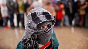 Die Lage der syrischen Flüchtlinge wird mit dem Wintereinbruch dramatisch - vor allem Kinder sind davon betroffen.