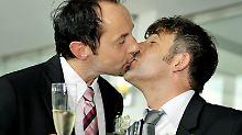 """Seit 2001 können sich schwule und lesbische Paare """"verpartnern""""."""