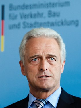 Bundesverkehrsminister Peter Ramsauer (CSU) muss sich Kritik vom Anwaltverein gefallen lassen.