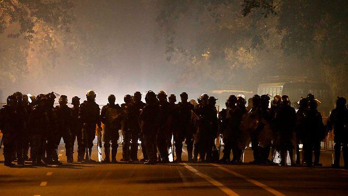 Seit Tagen gehen Menschen auf die Straße. Immer wieder kommt es auch zu Gewalt.