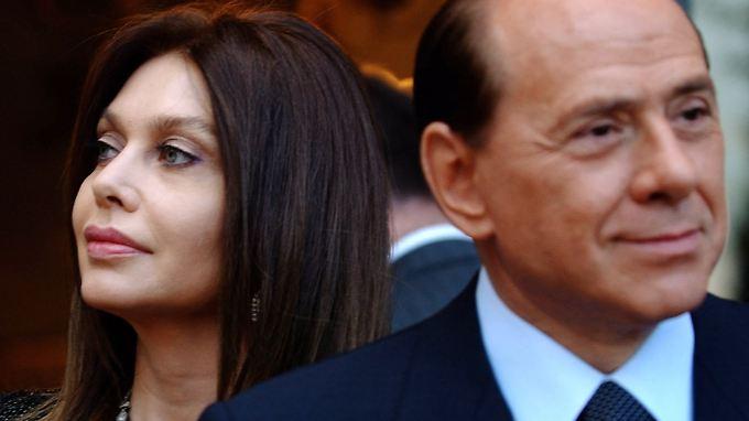 Rund dreieinhalb Jahre nach ihrer Trennung sind Silvio Berlusconi und seine zweite Frau Veronica Lario geschieden worden.