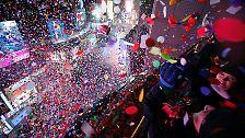 Eine der gewaltigsten Silvester-Partys ließen die New Yorker steigen.