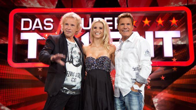 """Thomas Gottschalk, Michelle Hunziker und Dieter Bohlen, Jury-Mitglieder der RTL-Castingshow """"Das Supertalent"""",  am 9.8.2012."""
