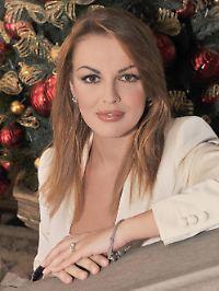 Das hier ist übrigens Berlusconis Verlobte, Francesca Pascale, 27.